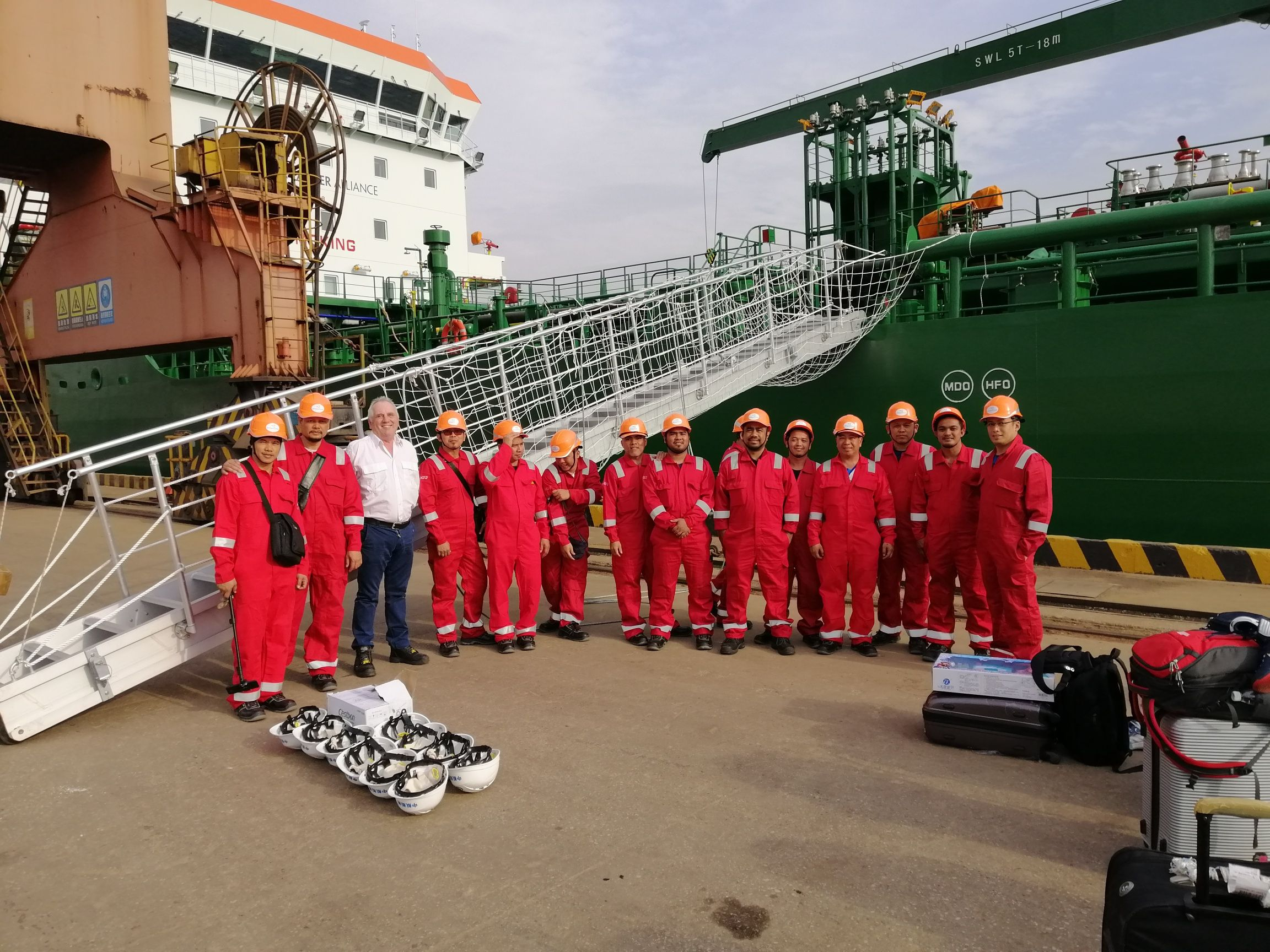 Thun Liverpool first crew.jpg